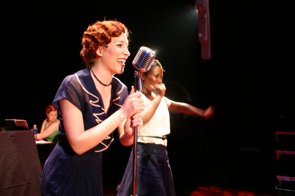 Picture of Amanda Johnson and Roslyn Ward in Evita (Photo by Ian Armstrong)